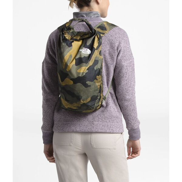 FLYWEIGHT ROLLTOP, BURNT OLIVE GREEN WAXED CAMO PRINT/BURNT OLIVE GREEN, hi-res